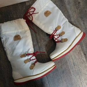 SOREL tall white Snowlion Lace boots